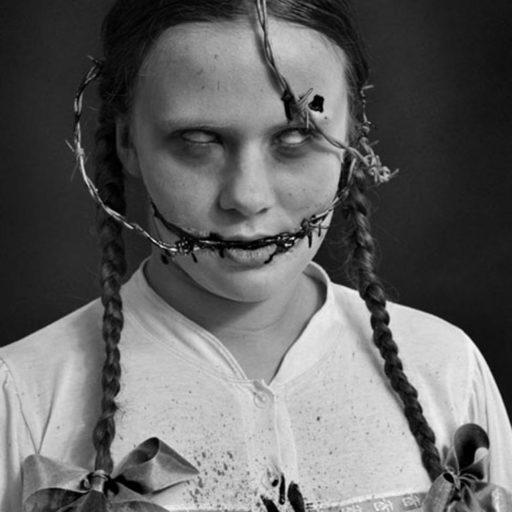 halloween, wyzsza szkola artystyczna, malarstwo w scenografii, kostium i rekwizyt sceniczny, krew, bodypainting, fx