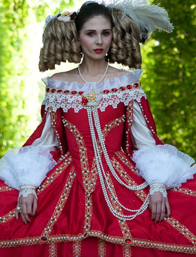 noc muzeów, wyższa szkoła artystyczna, barok, anioł, charakteryzacja, kostium, pokaz, epoka