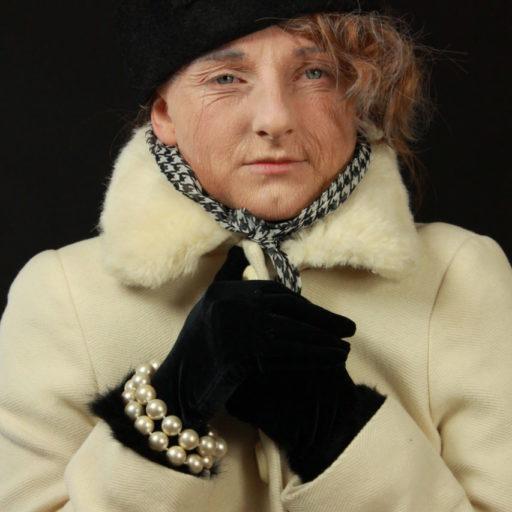 wyzsza szkola artystyczna, malarstwo w scenografii, kostium, charakteryzacja, latex, postarzenie, babcia