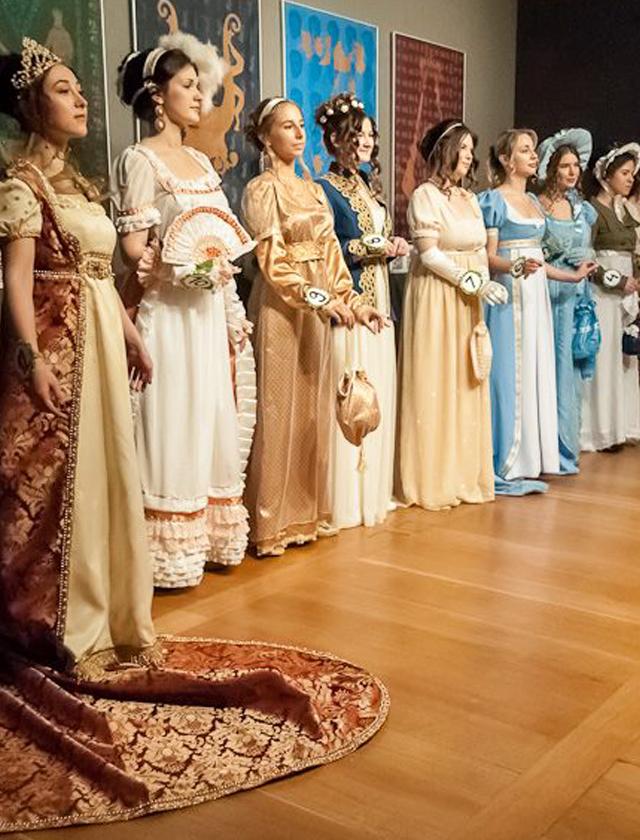 Wyższa Szkoła Artystyczna, kostium i rekwizyt sceniczny, epoka, empire, zamek królewski