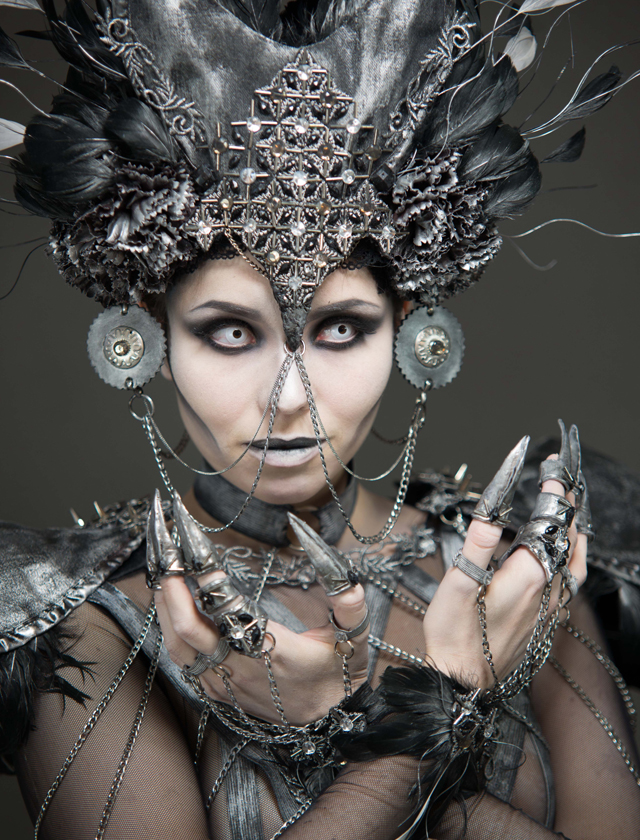 wyzsza szkola artystyczna, charakteryzacja, bodypainting, makijaz, kostium, aniol, demon