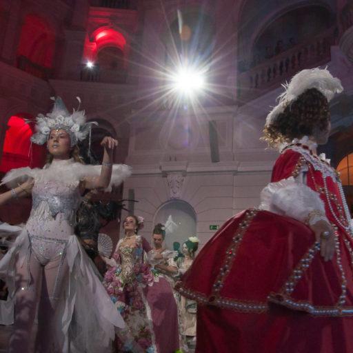 wyzszaszkolaartystyczna, charakteryzacja, kostium, bal, politechnika, epoka, krolowa, aniol