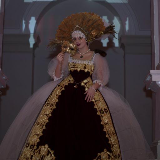 wyzszaszkolaartystyczna, kostium, charakteryzacja, makijaz, scena, bal, pokaz, epoka, karnawal